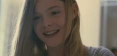 Новая надежда Голливуда, сестра беспокойной Дакоты Фаннинг, естественная в роли дочери депрессирующей кино-звезды